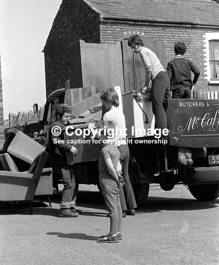 Roman Catholic families evacuate from Chief Street, Belfast, N Ireland, UK, because of continuing rioting. They are being put up in a local school hall. 197006000225a..Copyright Image from Victor Patterson, 54 Dorchester Park, Belfast, UK, BT9 6RJ..Tel: +44 28 9066 1296.Mob: +44 7802 353836.Voicemail +44 20 8816 7153.Skype: victorpattersonbelfast.Email: victorpatterson@me.com.Email: victorpatterson@ireland.com (back-up)..IMPORTANT: If you wish to use this image or any other of my images please go to www.victorpatterson.com and click on the Terms & Conditions. Then contact me by email or phone with the reference number(s) of the image(s) concerned.