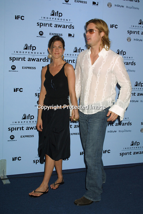 ©2003 KATHY HUTCHINS/ HUTCHINS PHOTO.INDEPENDENT SPIRIT AWARDS.SANTA MONICA, CA.March 22, 2003..JENNIFER ANISTON.BRAD PITT