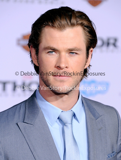 Hollywood, CA - NOVEMBER 04: Chris Hemsworth  arrives to Marvel's  THOR: THE DARK WORLD Premiere held at El Capitan Theatre in Hollywood, California on November 04,2012                                                                               © 2013 Hollywood Press Agency