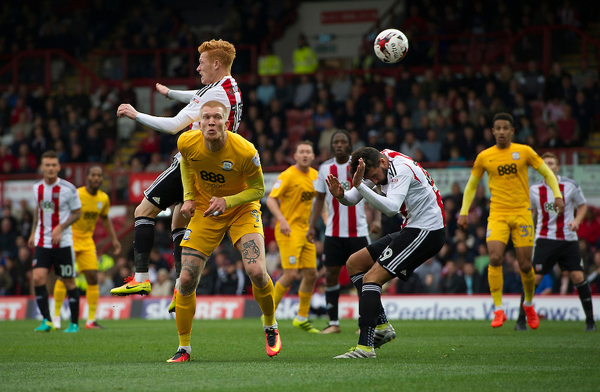 Preston North End's Simon Makienok heads on goal<br /> <br /> Photographer Ashley Western/CameraSport<br /> <br /> The EFL Sky Bet Championship - Brentford v Preston North End - Saturday 17 September 2016 - Griffin Park - London<br /> <br /> World Copyright &copy; 2016 CameraSport. All rights reserved. 43 Linden Ave. Countesthorpe. Leicester. England. LE8 5PG - Tel: +44 (0) 116 277 4147 - admin@camerasport.com - www.camerasport.com