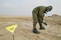 - the NBC  company (Nuclear, Bacteriological Chemical) control the ground for eventual contaminations by gas or depleted uranium....- la compagnia guerra NBC (Nucleare, Batteriologico Chimico) controlla il terreno per eventuali contaminazioni da gas o da uranio impoverito
