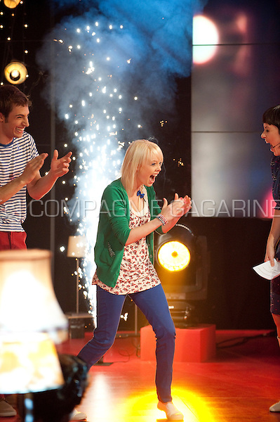 "Charlotte Leysen winning the Ketnet ""Wie wordt wrapper"" contest in the liveshow (Belgium, 23/04/2011)"