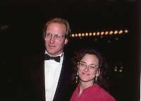 William Hurt & Marlee Matlin 1987 by<br />