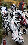 VLAARDINGEN - Hevige sneeuwstorm tijdens het Nederlands Scholen Team Kampioenschap 2008 op GC Broekpolder op eerste paasdag. COPYRIGHT KOEN SUYK