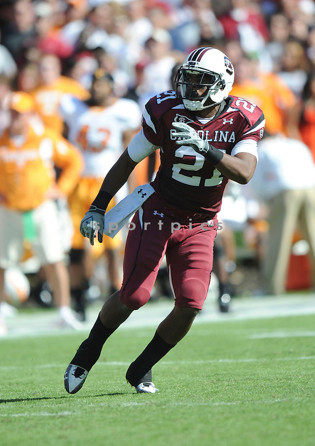 DEVONTE HOLLOMAN, of the South Carolina Gamecocks, in action during the Gamecocks game against the Tennessee Volunteers on October 30, 2010 at Williams-Brice Stadium in Columbia, South Carolina.  ..South Carolina beat Tennessee 38-24...
