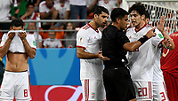SARANSK - RUSIA, 25-06-2018: Enrique CACERES (PAR),  arbitro, discute con Sardar AZMOUN de Irán durante partido de la primera fase, Grupo B, entre RI de Irán y Portugal por la Copa Mundial de la FIFA Rusia 2018 jugado en el estadio Mordovia Arena en Saransk, Rusia. / Enrique CACERES (PAR), referee, discuss with Sardar AZMOUN of Iran during the match between IR Iran and Portugal of the first phase, Group B, for the FIFA World Cup Russia 2018 played at Mordovia Arena stadium in Saransk, Russia. Photo: VizzorImage / Julian Medina / Cont