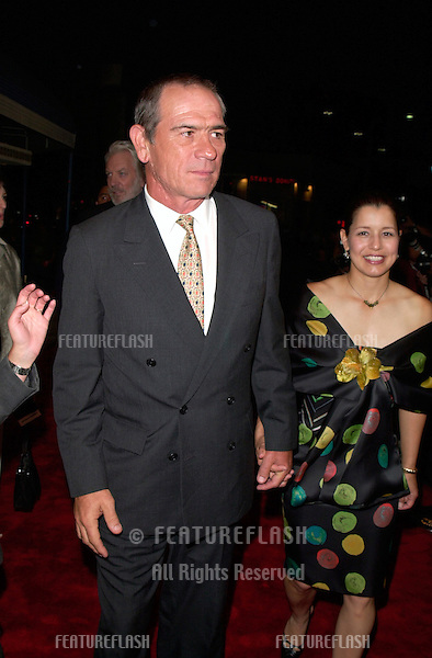 Actor TOMMY LEE JONES & wife at the world premiere, in Los Angeles, of his new movie Space Cowboys.
