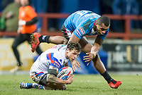 Picture by Allan McKenzie/SWpix.com - 09/02/2018 - Rugby League - Betfred Super League - Wakefield Trinity v Salford Red Devils - The Mobile Rocket Stadium, Wakefield, England - Scott Grix is brought down by Ben Nakubuwai.