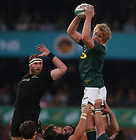 PRETORIA, SOUTH AFRICA - OCTOBER 06: Pieter-Steph du Toit of South Africa out jumps Kieran Read (captain) of the New Zealand (All Blacks) during the Rugby Championship match between South Africa Springboks and New Zealand All Blacks at Loftus Versfeld Stadium. on October 6, 2018 in Pretoria, South Africa. Photo: Steve Haag / stevehaagsports.com