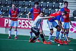AMSTELVEEN - Tom Hiebendaal (Adam)  met Thomas Vis (SCHC) en Max Vergnes (SCHC)  tijdens  de hoofdklasse competitiewedstrijd hockey heren,  Amsterdam-SCHC (3-1).  COPYRIGHT KOEN SUYK