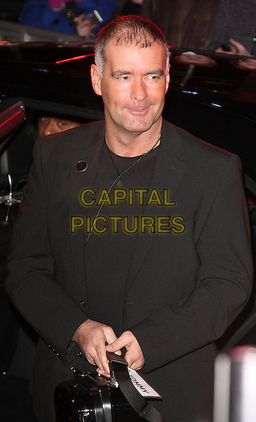 TOMMY SHERIDAN .Celebrity Big Brother housemates enter The House Elstree Studios, Borehamwood, Hertfordshire (Herts), England, 2nd January 2009..half length black jacket suit  bag.CAP/ROS.©Steve Ross/Capital Pictures
