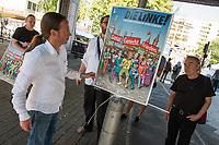 Praesentation eines Wahlplakates der Partei DIE LINKE am Mittwoch den 30. August 2017, welches durch den Karikaturisten Gerhard Seyfried (rechts im Bild) fuer den Direktkandidaten zur Bundestagswahl 2017 der Partei DIE LINKE fuer den Berliner Bezirk Friedrichshain-Kreuzberg, Pascal Meiser (links im Bild), gestaltet wurde.<br /> 30.8.2017, Berlin<br /> Copyright: Christian-Ditsch.de<br /> [Inhaltsveraendernde Manipulation des Fotos nur nach ausdruecklicher Genehmigung des Fotografen. Vereinbarungen ueber Abtretung von Persoenlichkeitsrechten/Model Release der abgebildeten Person/Personen liegen nicht vor. NO MODEL RELEASE! Nur fuer Redaktionelle Zwecke. Don't publish without copyright Christian-Ditsch.de, Veroeffentlichung nur mit Fotografennennung, sowie gegen Honorar, MwSt. und Beleg. Konto: I N G - D i B a, IBAN DE58500105175400192269, BIC INGDDEFFXXX, Kontakt: post@christian-ditsch.de<br /> Bei der Bearbeitung der Dateiinformationen darf die Urheberkennzeichnung in den EXIF- und  IPTC-Daten nicht entfernt werden, diese sind in digitalen Medien nach §95c UrhG rechtlich geschuetzt. Der Urhebervermerk wird gemaess §13 UrhG verlangt.]