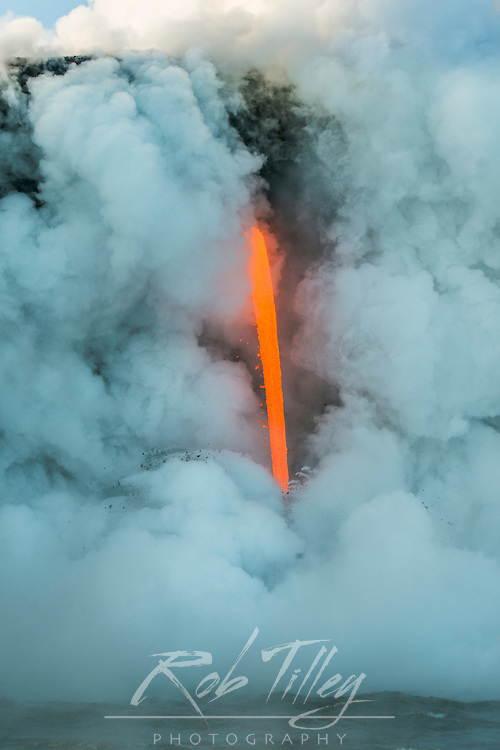 USA, HI, Big Island, Vocanoes NP, The Firehose (Lava from Kilauea Volcano flowing directly into the Pacific Ocean)