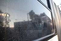 SAO PAULO, SP - VIOLENCIA-SP - Caixa eletrônico é atacado por bandidos durante tentativa de assalto na Av. Senador Teotonio Vilella na manhã desta quinta-feira (13) na zona sul de São Paulo. Houve troca de tiros entre policiais e bandidos, atingindo ônibus e uma base da PM na região. (Foto: Fabricio Bomjardim / Brazil Photo Press)