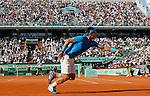 Tenis, Roland Garros 2011.Rafael Nadal (ESP) Vs. Robert Soderling (SWE).Rafael Nadal, returns the ball.Paris, 01.06.2011..foto: Srdjan Stevanovic/Starsportphoto ©