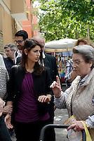 Roma, 27 Maggio 2016<br /> La Candidata a Sindaco di Roma per il Movimento 5 Stelle Virginia Raggi incontra i cittadini e i commercianti del mercato di Viale Spartaco