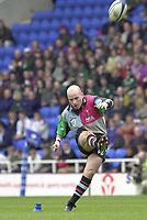 14/04/2002.Sport - Rugby Union.Madjeski Stadium - Reading.Zurich Premiership.London Irish vs Harlequins.Paul Burke kicks a first half penalty...