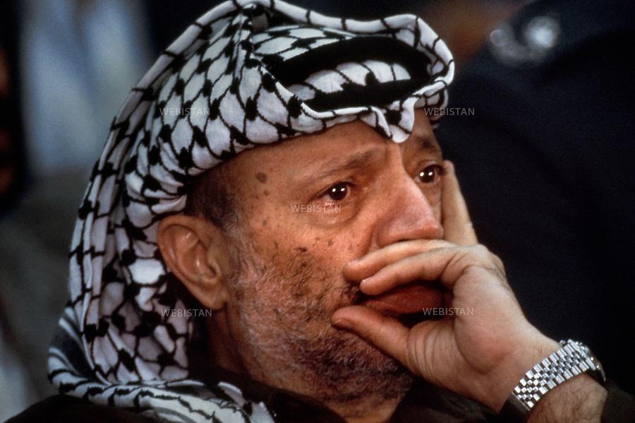 1984. Jordan. Amman. Portrait of Yasser Arafat (1929-2004), chairman of the PLO, at the 17th meeting of the Palestinian National Council (PNC). Jordanie. Amman. Portrait de Yasser Arafat (1929-2004), le chef de l'OLP, à la 17e réunion du Conseil National Palestinien (CNP).