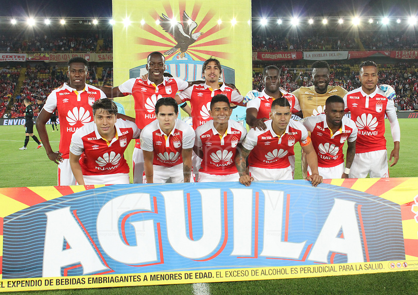 BOGOTÁ - COLOMBIA, 29-09-2018:Formació del Independiente Santa Fe ante el Deportivo Cali  durante partido por la fecha 12 de la Liga Águila II 2018 jugado en el estadio Nemesio Camacho El Campín de la ciudad de Bogotá. / Team of Independiente Santa Fe  during the match for the date 12 of the Liga Aguila II 2018 played at the Nemesio Camacho El Campin Stadium in Bogota city. Photo: VizzorImage / Felipe Caicedo / Staff.