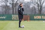 21.02.2019, Trainingsgelaende am Weserstadion, Bremen, GER, 1.FBL, Training SV Werder Bremen<br /> <br /> im Bild<br /> Florian Kohfeldt (Trainer SV Werder Bremen), <br /> <br /> Foto © nordphoto / Ewert