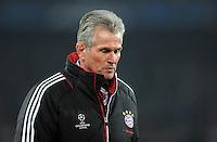 FUSSBALL   CHAMPIONS LEAGUE   SAISON 2011/2012   ACHTELFINALE HINSPIEL FC Basel - FC Bayern Muenchen      22.02.2012 Trainer Jupp Heynckes  (FC Bayern Muenchen) geht nach der Niederlage vom Platz