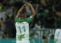 MEDELLÍN -COLOMBIA - 18-06-2017: Andres Ibarguen (Der) de Atlético Nacional celebra después de anotar el tercer gol de su equipo a Deportivo Cali durante partido de vuelta por la final de la Liga Águila I 2017 jugado en el estadio Atanasio Girardot de la ciudad de Medellín. / Andres Ibarguen (R) payer of Atletico Nacional celebrates after scoring the third goal of his team to Deportivo Cali during second leg match for the final of the Aguila League I 2017 at Atanasio Girardot stadium in Medellin city. Photo: VizzorImage/ Gabriel Aponte / Staff