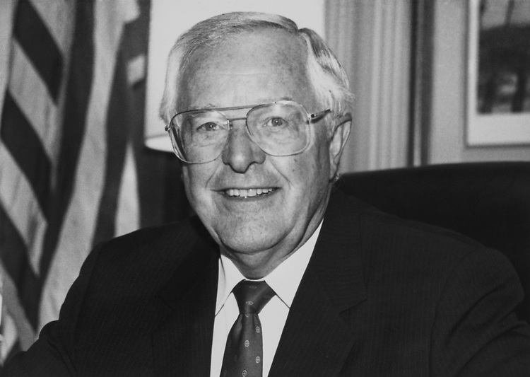 Rep. Stanford Parris, R-Va., in office on Aug. 7, 1988. (Photo by Marc Siegal/CQ Roll Call)