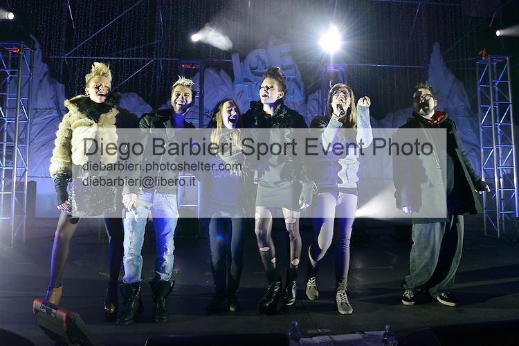 (KIKA) - TORINO - 04/01/2013 Concerto dei ragazzi di X-Factor 2012 sesta edizione, a Gru Village di Grugliasco, Torino.<br /> <br /> Le Donatella, Daniele Coletta, Cixi e Ics festeggiano con il pubblico
