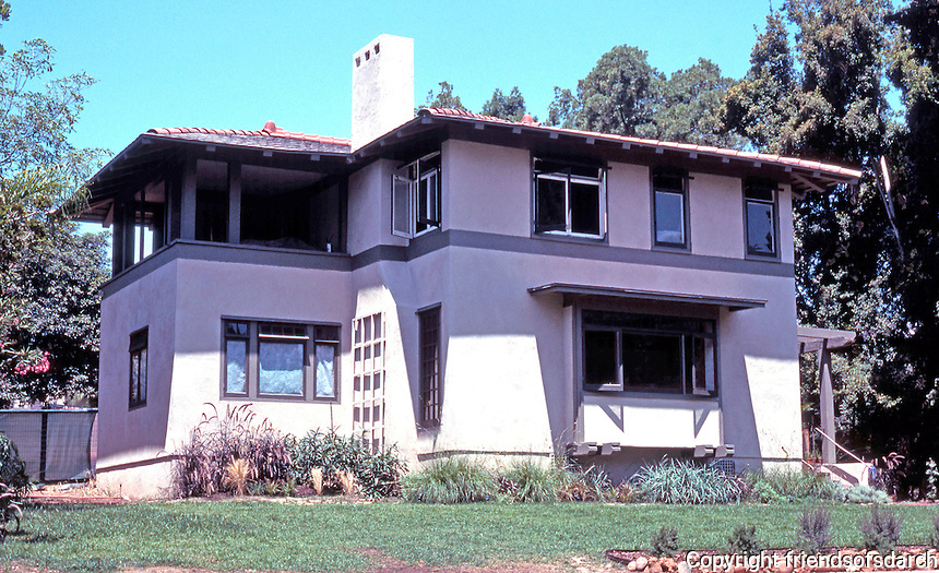 Irving Gill: Katherine Teats Cottage #1. 3560  7th Ave., San Diego. (Remodeled by Louis Gill.) Built in 1905, Prairie style. Photo 2000.