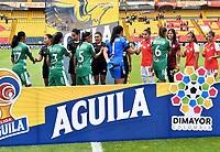 BOGOTÁ-COLOMBIA, 11–08-2019: Jugadoras de Independiente Santa Fe y La Equidad, durante partido de la fecha 5 entre Independiente Santa Fe y La Equidad, por la Liga Águila Femenina, jugado en el estadio Nemesio Camacho El Campín de la ciudad de Bogotá. / Players of Independiente Santa Fe and La Equidad, during a match of the 5th date between Independiente Santa Fe and La Equidad, for the 2019 Women's Aguila League played at the Nemesio Camacho El Campin Stadium in Bogota city, Photo: VizzorImage / Luis Ramírez / Staff.
