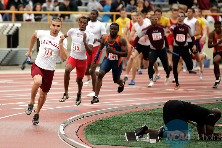 26 MAY 2007: Wisconsin La Crosse runners lead most of the race and finish with a first place time of 3:11:01 in the 4 X 400 meter run in Division III Track & Field Finals at JJ Keller Field at Titan Stadium in Oshkosh, WI.  Allen Fredrickson/NCAA Photos