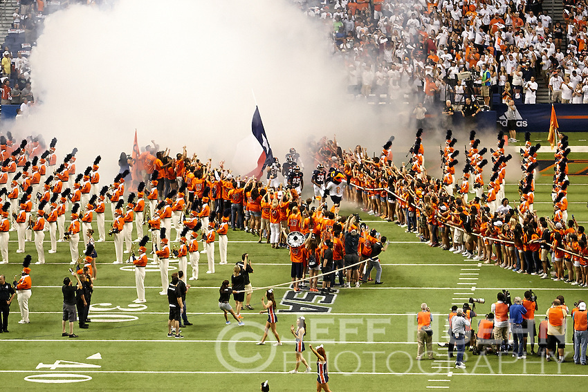 SAN ANTONIO, TX - SEPTEMBER 7, 2013: The Oklahoma State University Cowboys versus the University of Texas at San Antonio Roadrunners Football at the Alamodome. (Photo by Jeff Huehn)