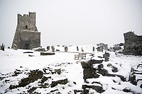 UK Weather: Heavy flurries of snow blanket Aberystwyth castle, west Wales,  on a cold February morning in Aberystwyth, west Wales, UK. Tuesday 06 February 2018. <br /> The Met Office has issued a &lsquo;yellow&rsquo; warning for snow and ice, as a band of sleet and snow moves in from the west, to cover much of Wales and the north of England