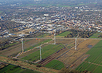 Windkraft in Bergedorf : EUROPA, DEUTSCHLAND, HAMBURG, (EUROPE, GERMANY), 22.03.2017: Windkraft in Bergedorf
