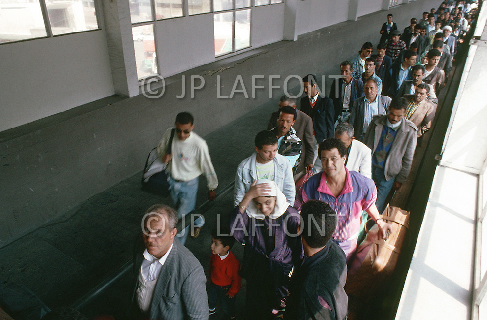 May 27, 1989, Marseilles, France. Muslim immigration in the port city of Marseille. Passengers arriving from Algeria.