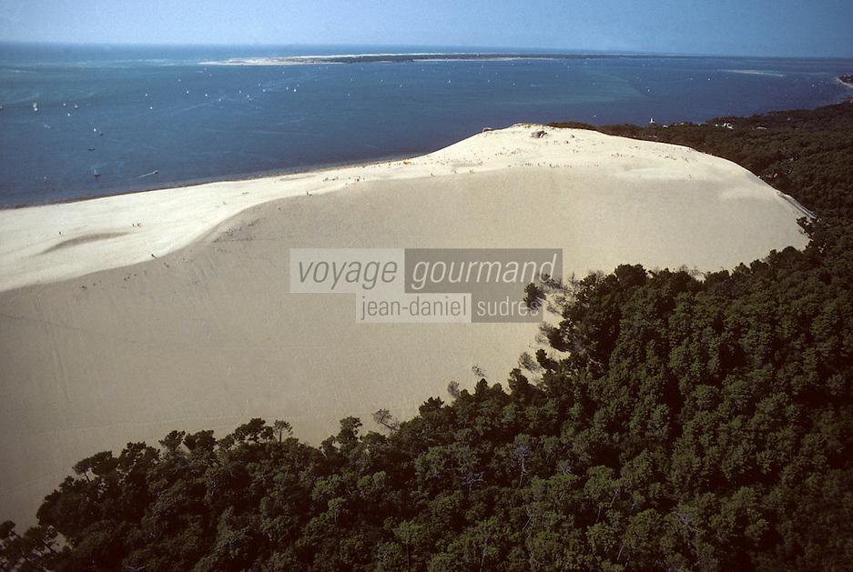 Europe/France/Aquitaine/33/Gironde/Bassin d'Arcachon: La dune du Pilat, le bassin d'Arcachon et le forêt des Landes - Vue aérienne