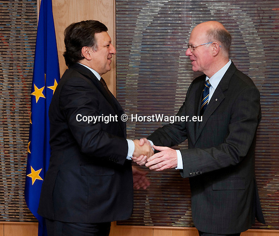 Brussels-Belgium - February 01, 2012 -- Visit to Brussels by Prof. Dr. Norbert LAMMERT (ri), President / Speaker of the German Parliament (Deutscher Bundestag); here, meeting with José (Jose) Manuel BARROSO (le), President of the European Commission -- Photo: © HorstWagner.eu