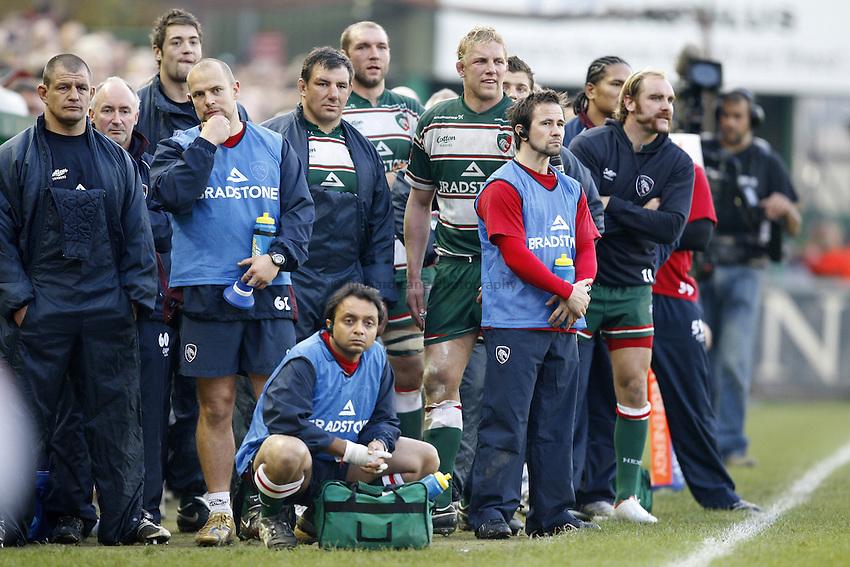 Photo: Richard Lane/Richard Lane Photography..Leicester Tigers v Cardiff Blues. EDF Energy Cup. 03/11/2007. .Tigers bench look on.