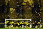 17.12.2017, Signal Iduna Park, Dortmund, GER, 1.FBL, Borussia Dortmund vs TSG 1899 Hoffenheim, <br /> <br /> im Bild | picture shows<br /> die Mannschaft des BVB l&auml;sst sich vor der S&uuml;d feiern, <br /> <br /> Foto &copy; nordphoto / Rauch