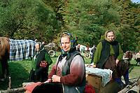 ROMANIA / Maramures / Strimtura / September 2006..Women at the weekly livestock market in this village along the Iza valley...© Davin Ellicson / Anzenberger