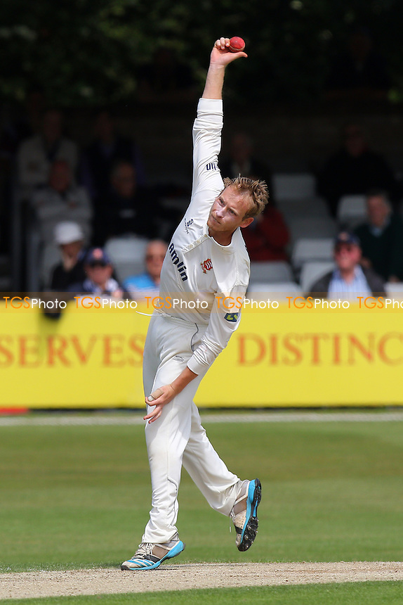 Tom Westley in bowling action for Essex - Essex CCC vs Derbyshire CCC - LV County Championship Division Two Cricket at the Essex County Ground, Chelmsford, Essex - 16/06/15 - MANDATORY CREDIT: Gavin Ellis/TGSPHOTO - Self billing applies where appropriate - contact@tgsphoto.co.uk - NO UNPAID USE