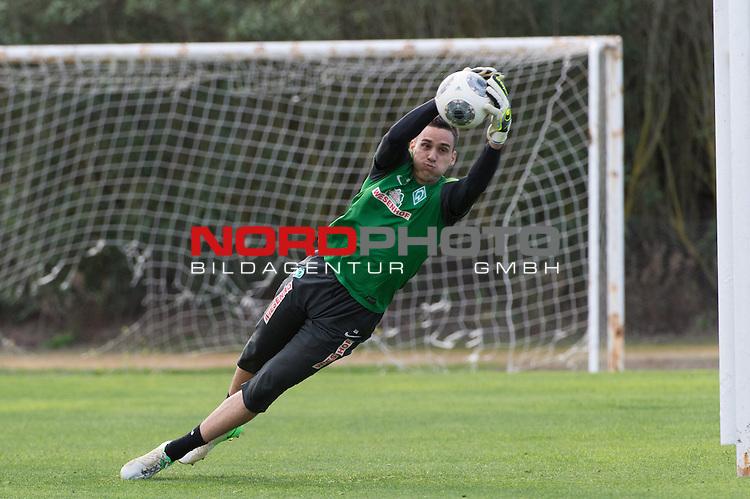 Trainingsgel&auml;nde, Jerez, ESP, 1.FBL, Trainingslager Werder Bremen 2014,  13.01.2014, <br /> Raphael Wolf (Bremen #20)<br /> <br /> <br /> Foto &copy; nordphoto/ Kokenge