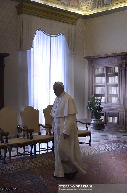 S.E. il Sig. Faustin Archange Touadera<br /> Presidente della Repubblica Centrafricana<br /> Palazzo Apostolico  - Città del Vaticano<br /> Giovedì 25 gennaio,