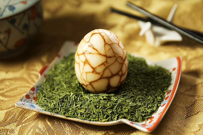 Chinese Tea Eggs (Cha Ye Dan), photographed for the Selfish Cooking blog, written by YangHwa Pugsley