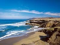 Spanien, Kanarische Inseln, Fuerteventura, rauhe Westkueste bei La Pared, wegen starker Stoemung ist hier das Baden nicht ganz ungefaehrlich   Spain, Canary Island, Fuerteventura, rough coastline near La Pared