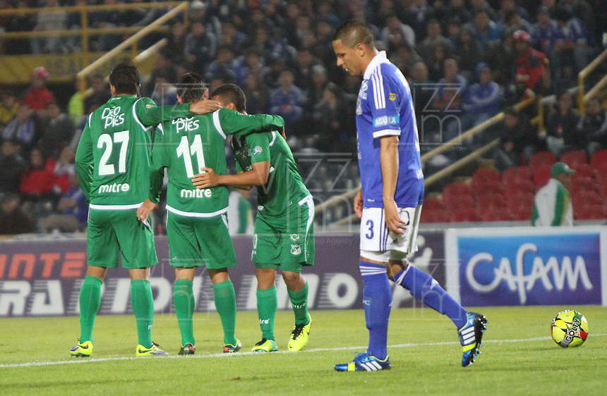 BOGOTA -COLOMBIA- 20 -11--2013.Lizarazo del Deportivo Cali patea el balon y convierte su gol   contra Millonarios    ,juego de los cuadrangulares finales de la Liga Postobon jugado en el estadio Nemesio Camacho El Campin   /   Deportivo Cali Lizarazo kicks the ball and makes his goal against Millonarios game runs Postobon League finals played at the stadium Nemesio Camacho El Campin .Photo: VizzorImage / Felipe Caicedol / Staff
