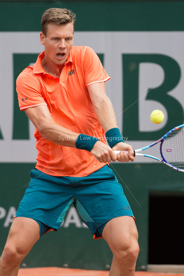 May 25, 2015: Tomas Berdych (CZE) in action in a 1st round match against  Yoshihito Nishioka (JPN) on day two of the 2015 French Open tennis tournament at Roland Garros in Paris, France. Sydney Low/AsteriskImages
