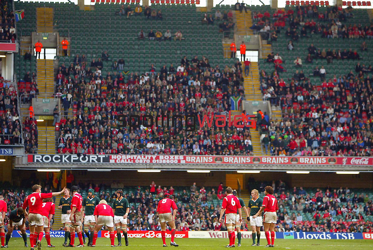 Wales v South Africa failed to sell out at the Millennium Stadium..Lloyds TSB Autumn International.Wales v South Africa.Millennium Stadium.06.11.04.©Steve Pope.Sportingwales.com.07798 83 00 89.The Manor .Coldra Woods.Newport.South Wales.NP18 1HQ