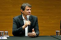 SÃO PAULO,SP, 14.10.2015 - HADDAD-SP - O prefeito Fernando Haddad faz o anúncio do IPTU verde e IPVA verde e faz vistoria no prédio da sede da Porto Seguro na Alameda Barão de Piracicaba, região central, nessa quarta-feira 14. (Foto: Gabriel Soares/Brazil Photo Press)