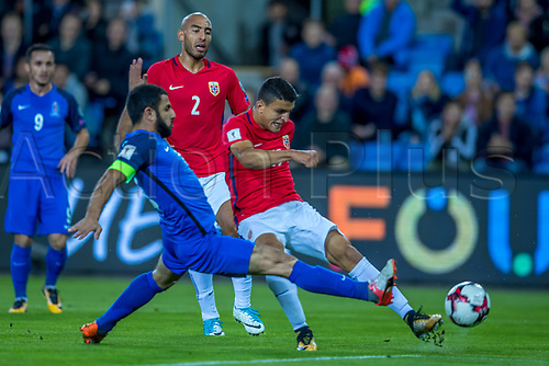 1st September 2017, Ullevaal Stadion, Oslo, Norway; World Cup Qualifier, Group C; Norway versus Azerbaijan; Tarik Elyounoussi of Norway shoots past  Rahid Amirguliev of Azerbaijan during the FIFA World Cup  group C qualifier match